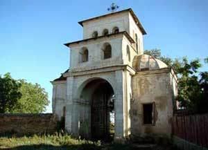 Biserica din Fundeni - Frunzanesti