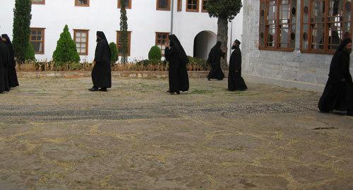 Secularizarea monahismului
