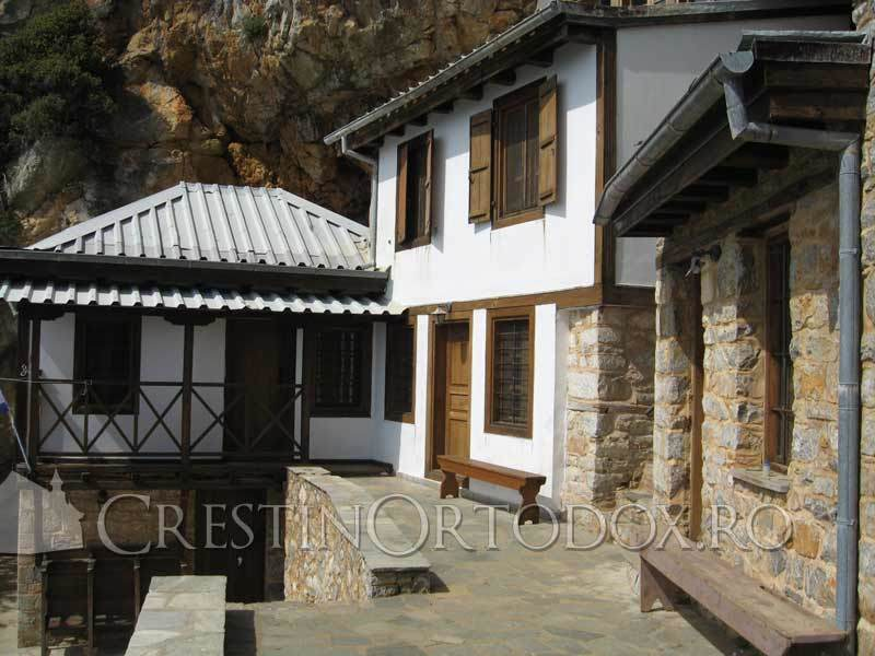 Pestera Sfantului Atanasie Athonitul - Sfantul Munte Athos