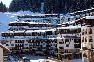 Manastirea cu trapeza si hotel