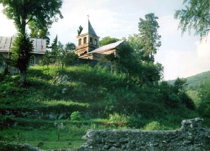 Biserica Sfantul Vasilisc din Comani