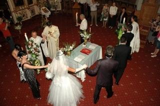 Raportul si unitatea dintre Dumnezeiasca Euharistie si Sfanta Taina a Casatoriei