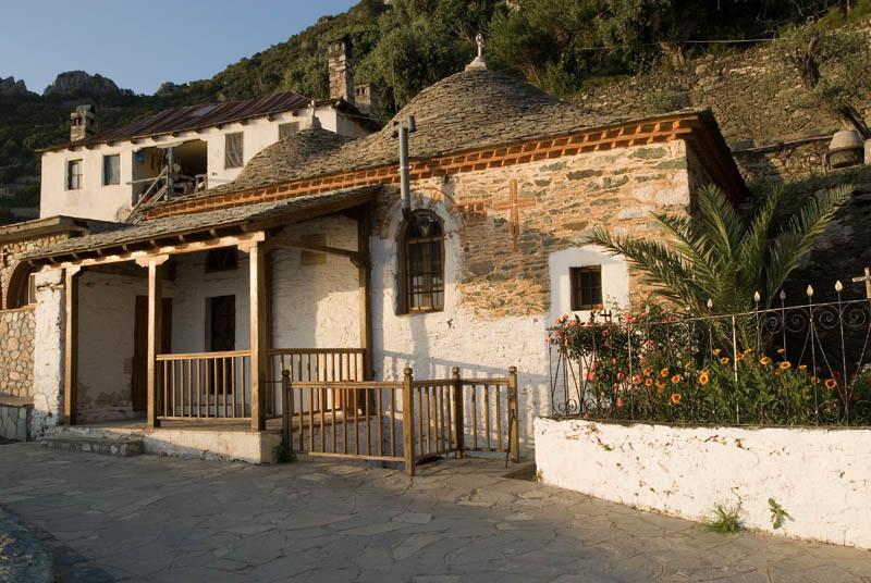 Schitul Sfanta Ana - Capela cimitirului