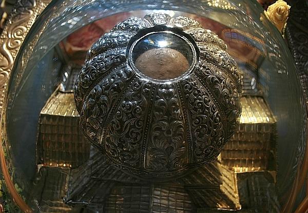 http://str1.crestin-ortodox.ro/foto/1265/126484_capul-sfantul-andrei-patras.jpg
