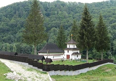 Biserica Tuturor Sfintilor - Schitul Comanca