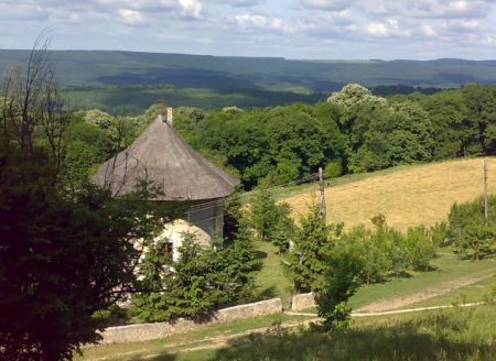 Manastirea Lacuri