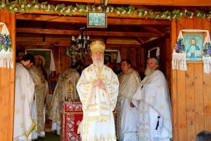 Manastirile Romanesti si Dobresti si-au praznuit ocrotitorul