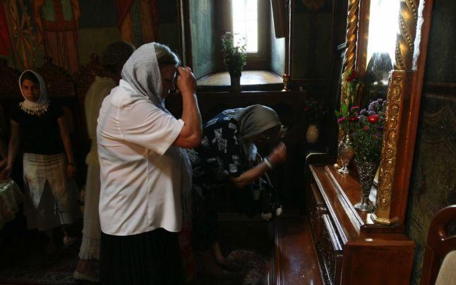 De ce ortodocsii se inchina la icoane