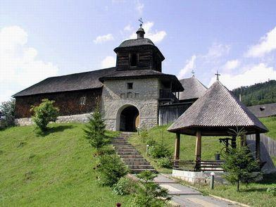 Pelerinaj la manastirile din Vrancea