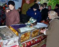 A inceput pelerinajul la moastele sfintilor din Dealul Patriarhiei