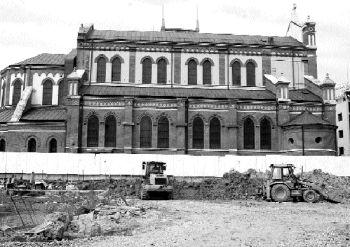 Constructia de langa Catedrala se ridica ilegal