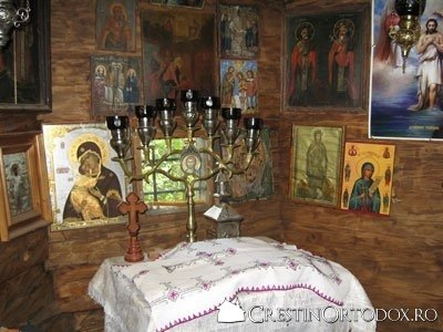 Schitul Sihla - Sfanta Masa a Bisericii Schimbarea la Fata
