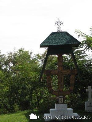 Schitul Sihla - Troita sculptata