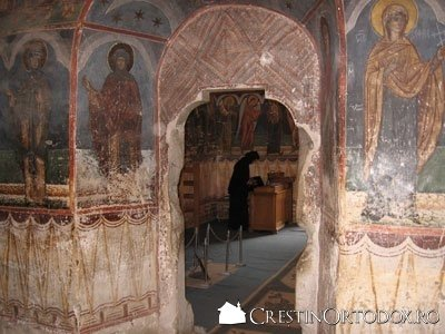 Manastirea Humor - Gropnita (privire spre Pronaos)
