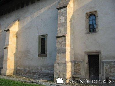 Manastirea Bogdana - contraforti