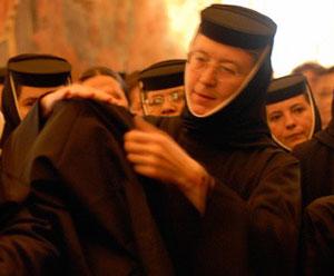 Imbracamintea monahala, chipul omului nou nascut