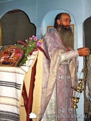 Paraclisul Manastirii Sfantul Gheorghe - Preot