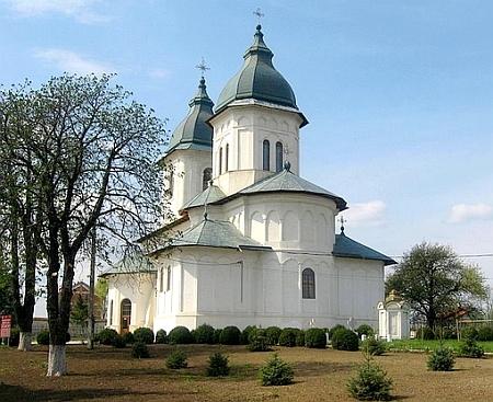 Catedrala Episcopala din Husi - Sfintii Apostoli Petru si Pavel
