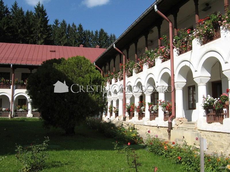 Chiliile maicilor de la Manastirea Agapia