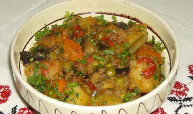 Morcovi cu fasole la cuptor